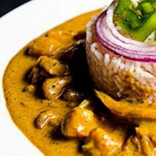 Get Curry Chicken & Rice for $8.99